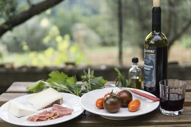 Pique-nique en amoureux : vins et croque-monsieur